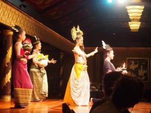 タイ舞踊ショー2
